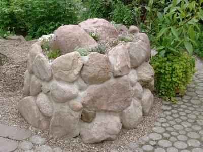 Steinhochbeet